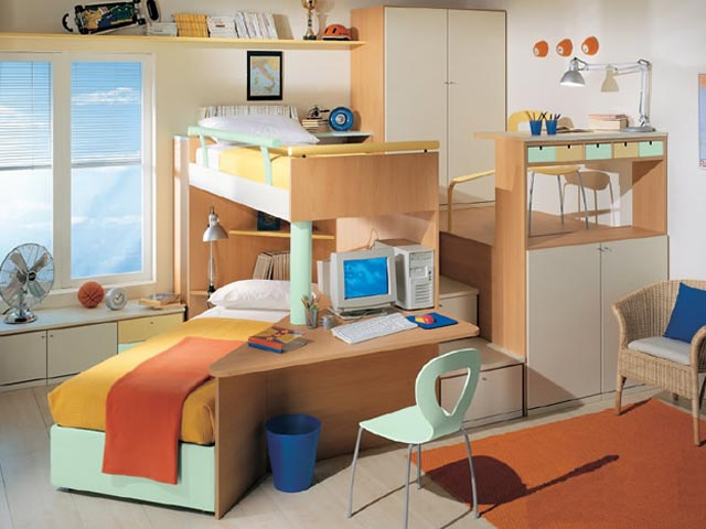 Раздельные спальные места в детской комнате