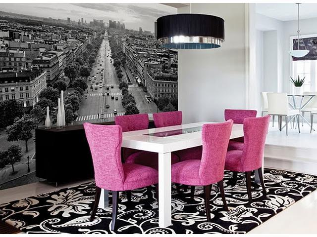 Чёрно-белое изображение в интерьере гостиной