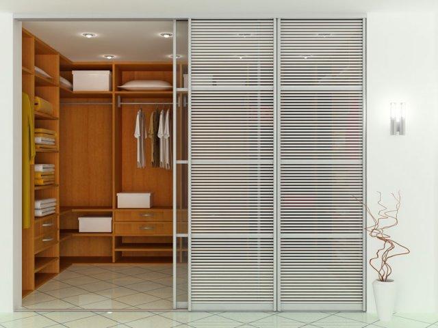 Пример ограничения пространства прозрачной раздвижной перегородкой