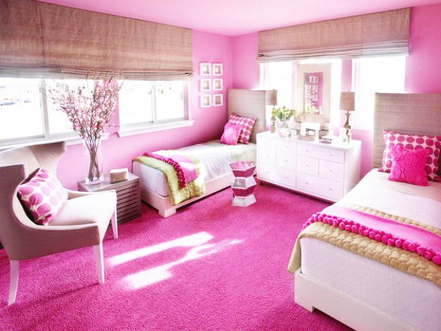 Розовый в детской
