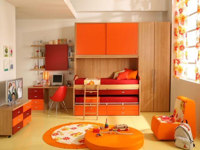 Оранжевый в детской