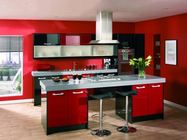 Красный на кухне