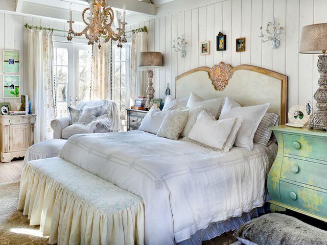 Красивая спальня шебби-шик
