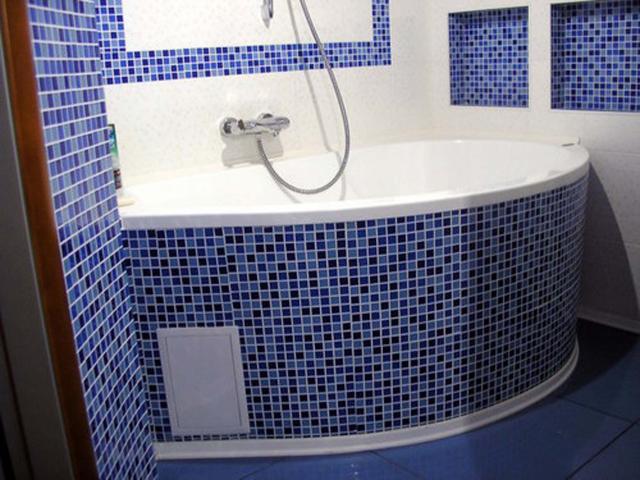 Ванна, облицованная мозаикой