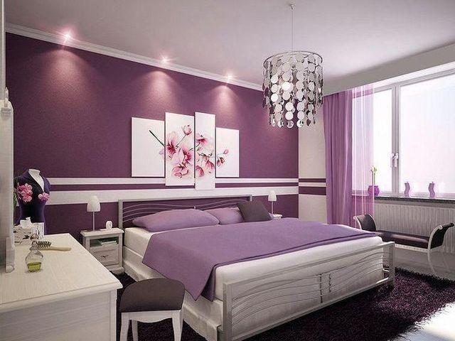 лиловые шторы в супружеской спальне