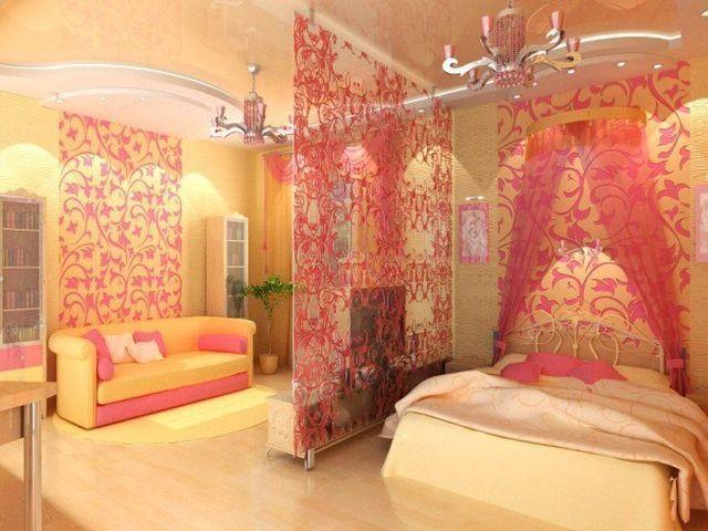 персиковые стены в спальне маленькой девочки