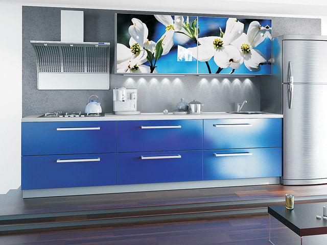 синяя кухня подходит тем, кто хочет похудеть