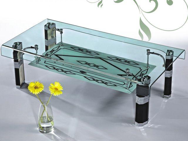 стеклянный столик для маленькой спальни – удачное решение