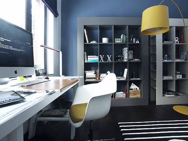 рабочий кабинет с использованием серого и зеленого