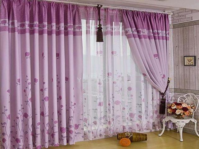 фиолетовые шторы в неоклассическом интерьере