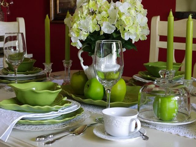 зеленая посуда на кухне