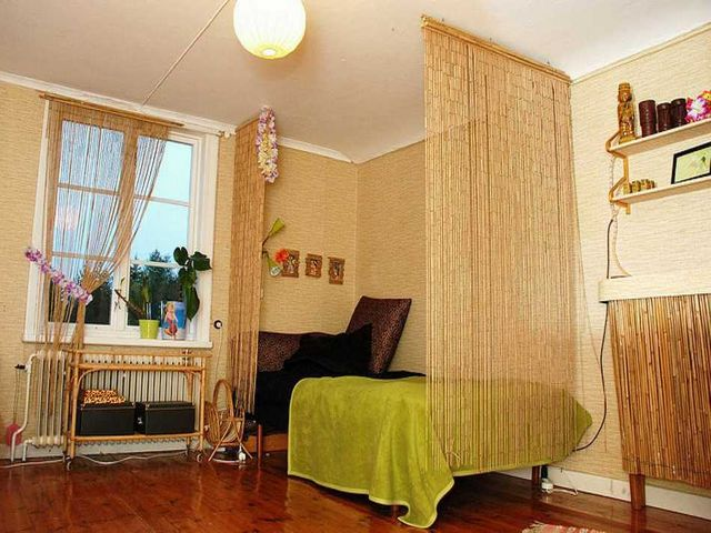 бамбуковая мебель в фисташковом интерьере
