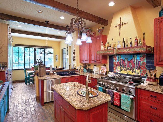 яркая кухня в испанском стиле