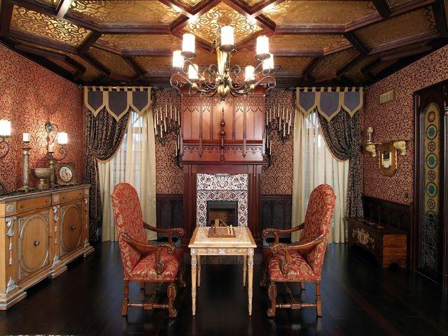 шторы в готическом интерьере