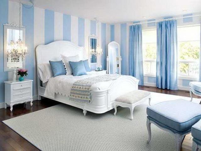 банкетка в спальной комнате