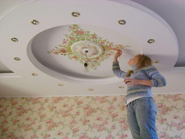 двухуровневый потолок с художественной росписью