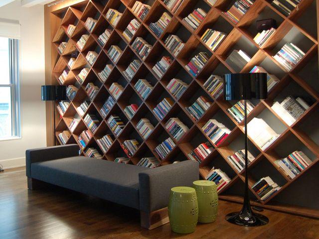 библиотека в современной квартире