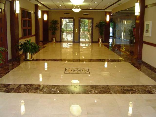 искусственный мрамор на полу