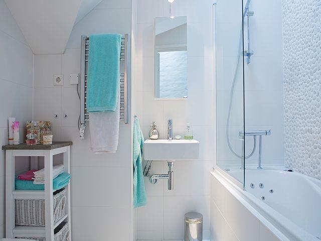 яркие детали в скандинавской ванне
