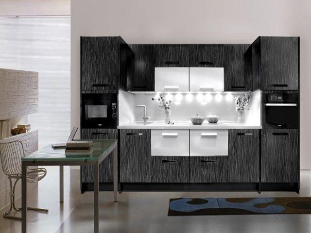 современный кухонный гарнитур в стиле техно