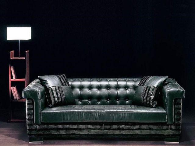 кожаный диван в стиле ампир