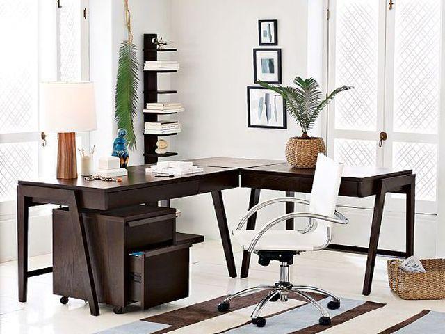 строгий кабинет в стиле фьюжн