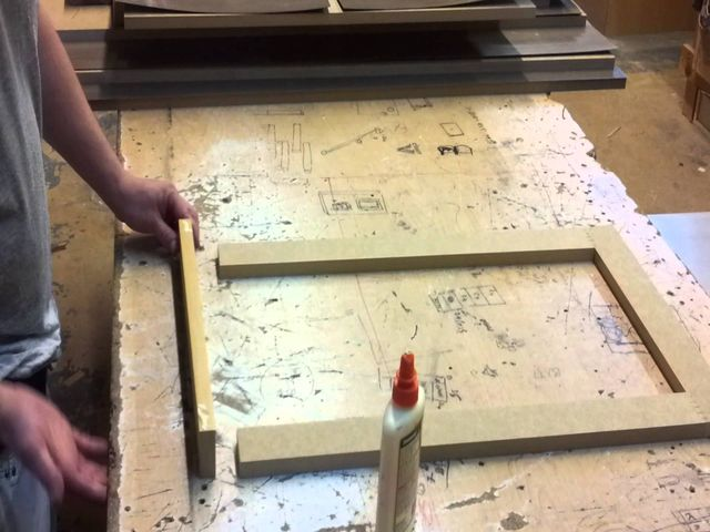 процесс изготовления деревянного кухонного фасада