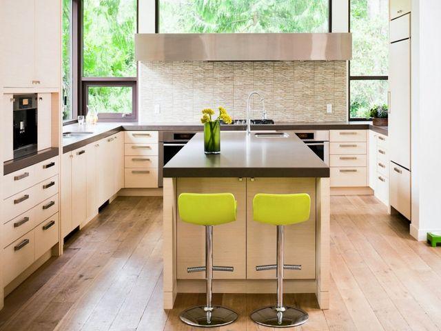 кухонный островок в центре кухни
