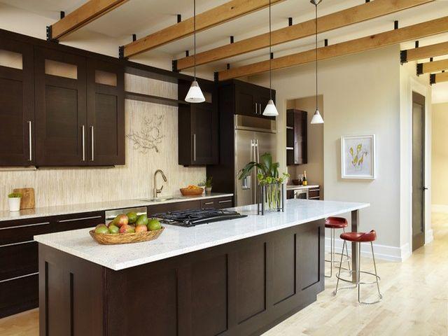 рабочая зона в просторной кухне