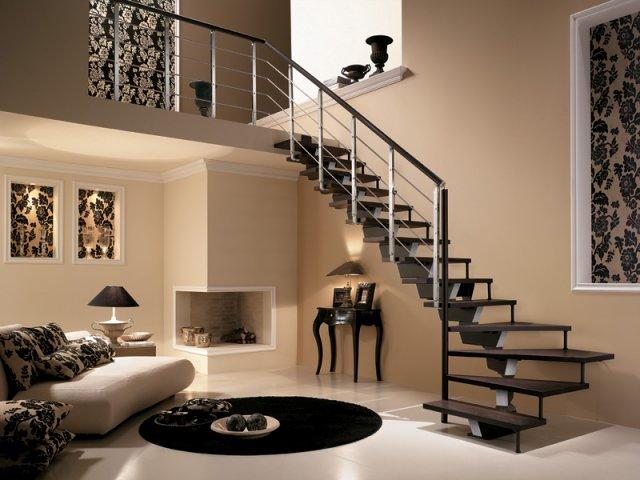 металлическая лестница в гостиной