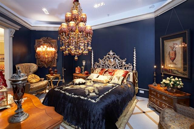 Старинный восточный интерьер спальни