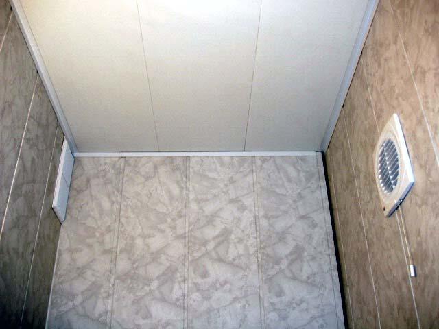 Панели из пластика для стен в туалетной комнате