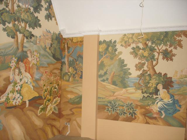 Настенная роспись для гостиной в классическом стиле