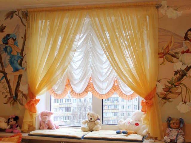 окно в детской
