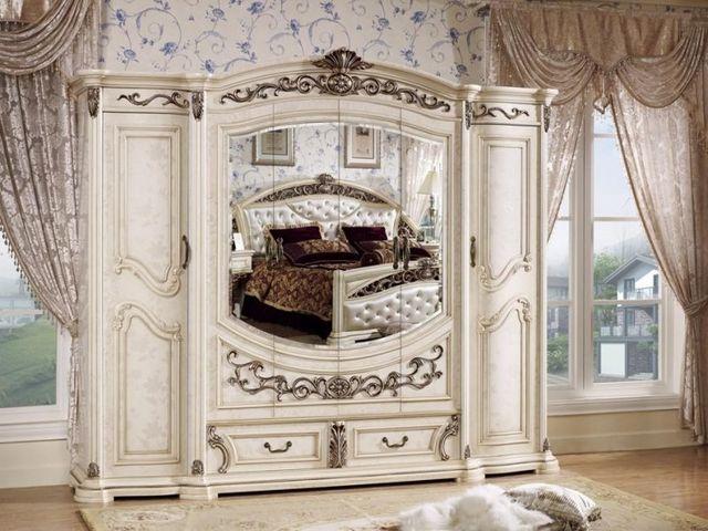 Красивые зеркала в спальне
