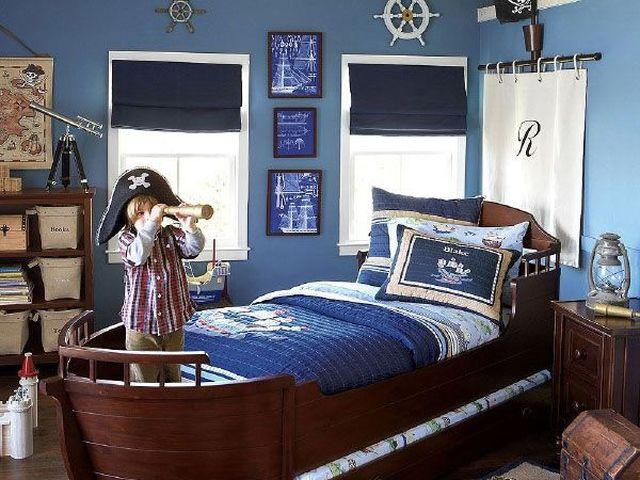 детская кровать в форме корабля