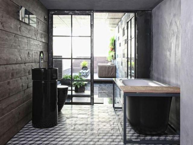 старинная ванная подойдет для лофта