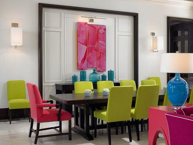 Интерьер офиса с применением салатового и розового цветов