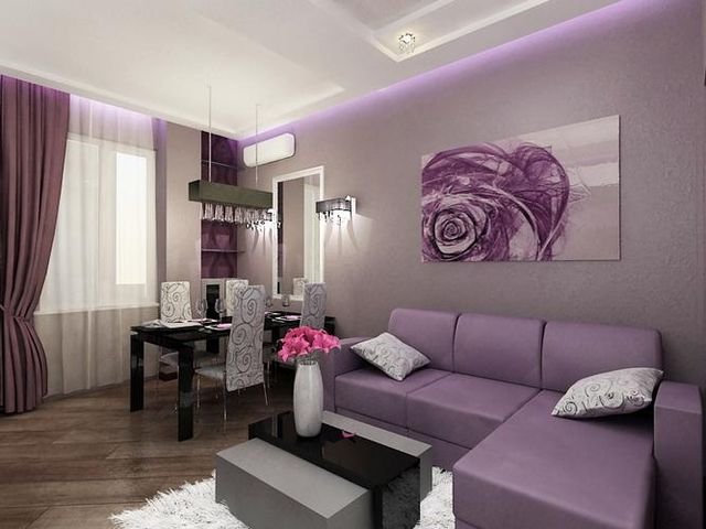 фиолетовые шторы в сером интерьере