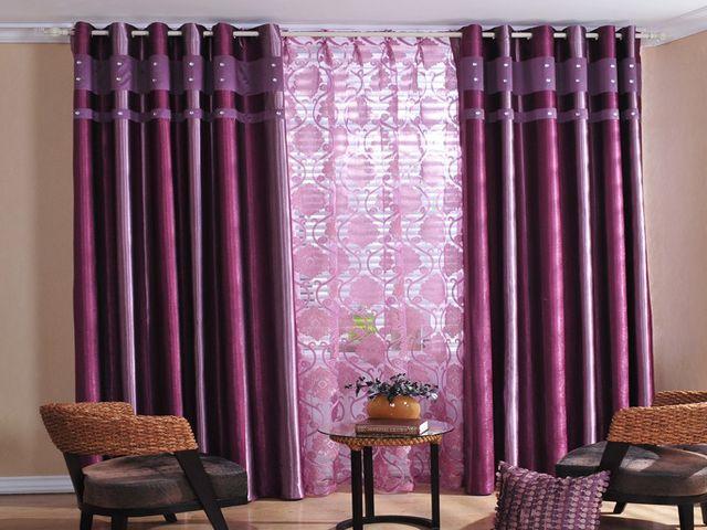 дорогие роскошные фиолетовые шторы в гостиной