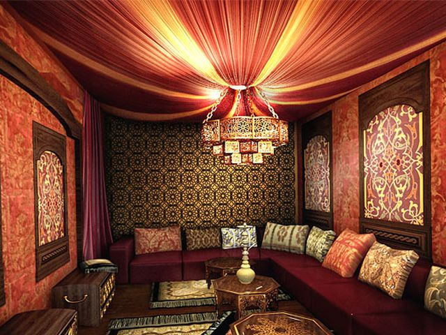 яркий потолок в индийском дизайне
