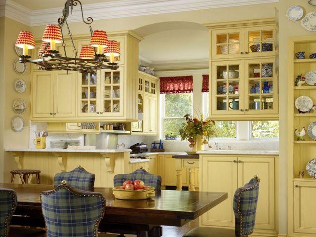 Кухня в стиле прованс в нежно-желтых цветах