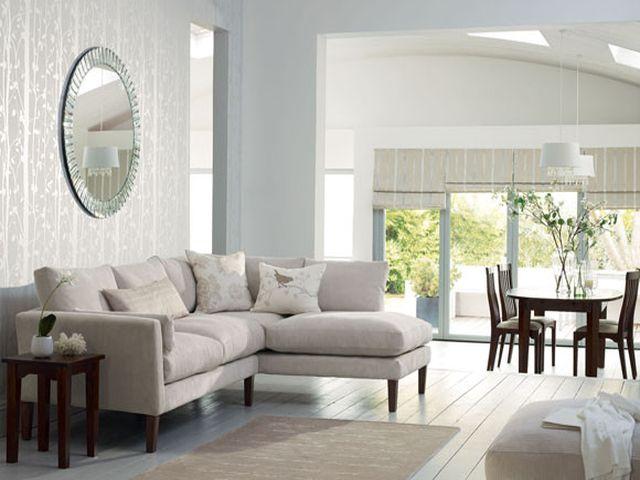 уютная комната в теплых оттенках серого