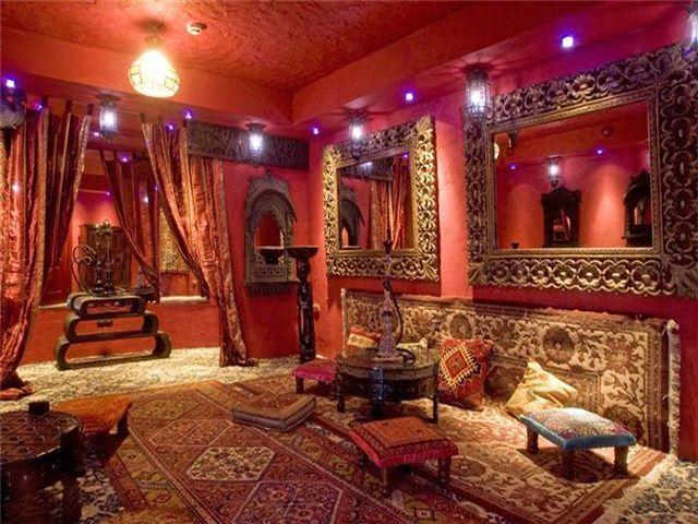 яркая комната в арабском стиле