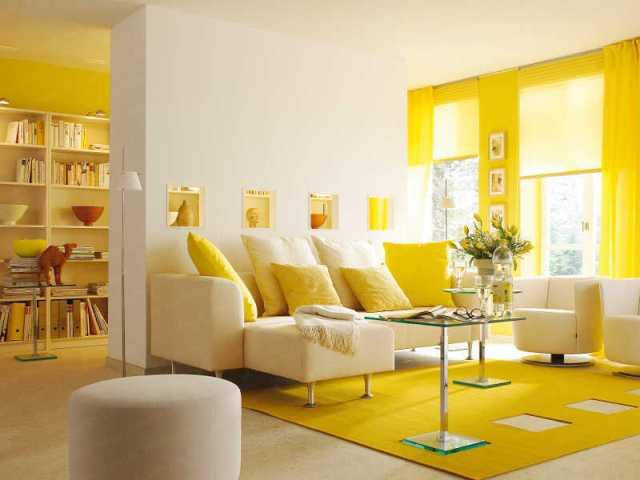 желтый цвет в маленькой гостиной