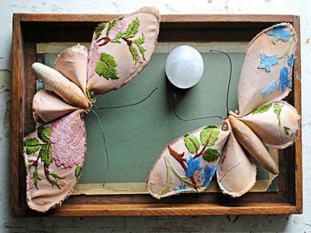 аппликация из ткани в виде бабочек