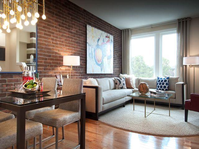 имитация кирпичной кладки в интерьере жилой квартиры