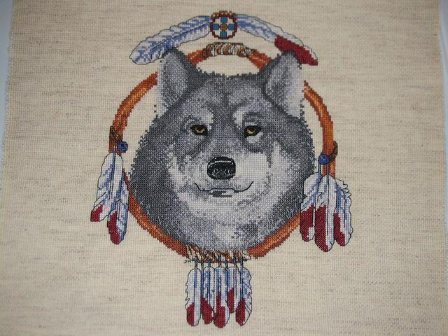 вышивка в качестве декора