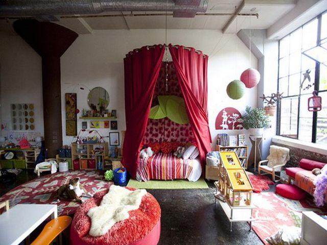 кровать с балдахином в богемном стиле