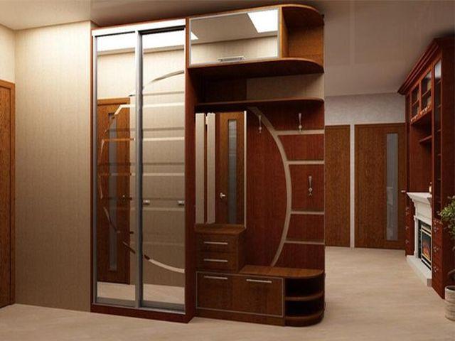 шкаф-купе, разделяющий комнату на зоны